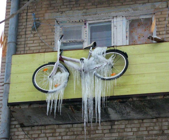 как НЕ НАДО хранить велосипед